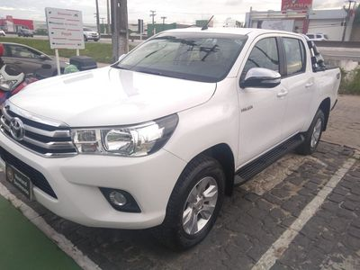 Toyota Hilux Cabine Dupla SRV A/T 4x4 Diesel 2017}