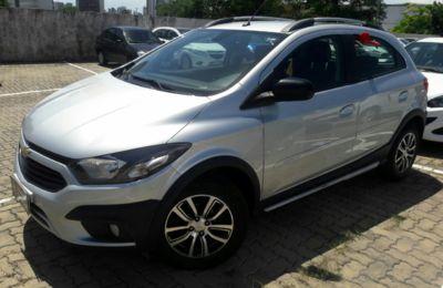 Chevrolet Onix Activ 1.4 MPFI (Aut) 2018}