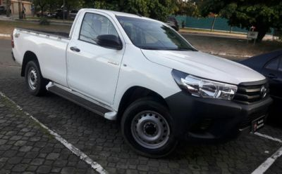 Toyota Hilux Cabine Simples 4x4 Diesel 2017}