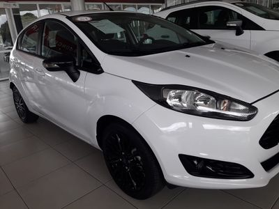 Ford New Fiesta Sedan 1.6 SE 2017}