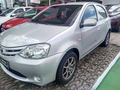 Toyota Etios Hatch Etios X 1.3 (Flex) 2013}