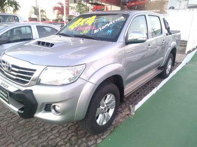 Toyota Hilux 3.0 SRV 4X4 CD 16V TURBO INTERCOOLER DIESEL 4P AUTOMÁTICO 2015}