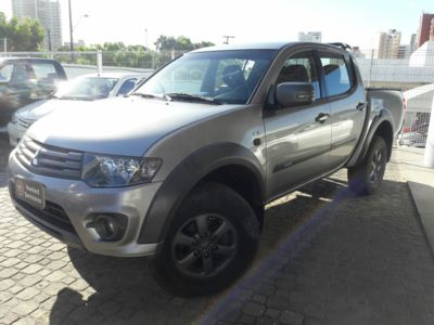 Mitsubishi L200 Triton 3.2 HPE 4X4 CD 16V Turbo Intercooler 2017}