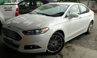Ford Fusion 2.0 Titanium FWD 16V AT 2014}