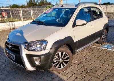 Toyota Etios Cross 1.5L (Flex) 2018}