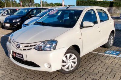 Toyota Etios Hatch X 1.3L (Flex) 2017}
