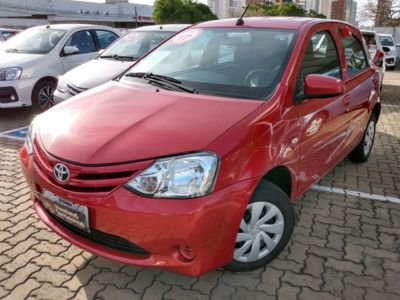 Toyota Etios Hatch X 1.3L (Flex) 2017}