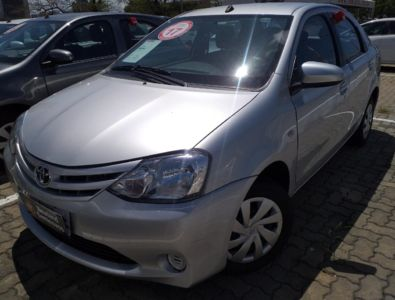 Toyota Etios Sedan XS 1.5 (Flex) 2017}