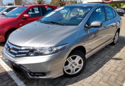 Honda City DX 1.5 16V (flex) 2013}