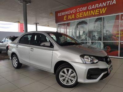 Toyota Etios Sedan X Plus 1.5 2020}