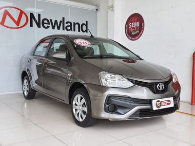 Toyota Etios Sedan XS 1.5 (Flex) 2018}