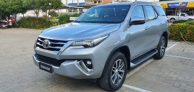 Toyota SW4 SRX 2.8L 4x4 Diesel 2018}