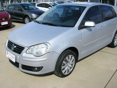 Volkswagen Polo Hatch . 1.6 8V (Flex) 2007}