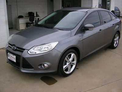Ford Focus Sedan SE 2.0 16V PowerShift (Aut) 2014}
