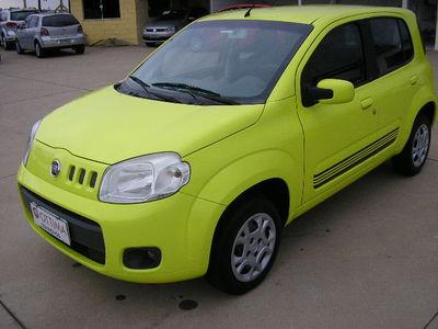 Fiat Uno Vivace 1.0 8V (Flex) 4p 2011}
