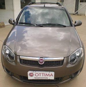 Fiat Strada Trekking 1.6 16V (Flex) (Cab Dupla) 2014}