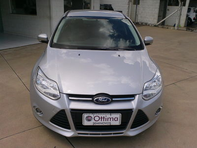 Ford Focus Sedan Titanium Plus 2.0 16V PowerShift (Aut) 2014}