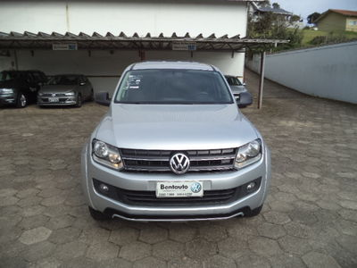 Volkswagen Amarok 2.0 TDi CD 4x4 Trendline  série Dark Label (Aut) 2015}