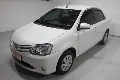 Toyota Etios Sedan XS 1.5 (Aut) 2017}