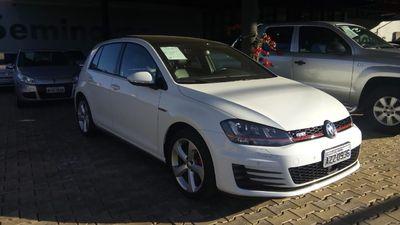 Volkswagen Golf GTI 2.0 TSI 2015}