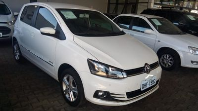 Volkswagen Fox Highline 1.6 MSI (Flex) 2013}