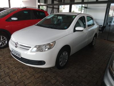 Volkswagen Voyage 1.6 MI 8V FLEX 4P MANUAL 2012}