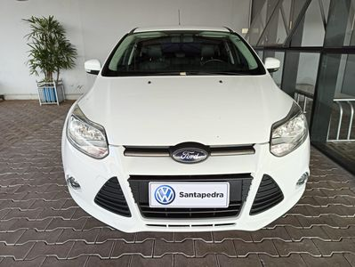 Ford Focus Hatch SE Plus 2.0 16V PowerShift (Aut) 2014}