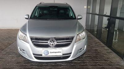Volkswagen Tiguan 2.0 FSI Tiptronic  2011}