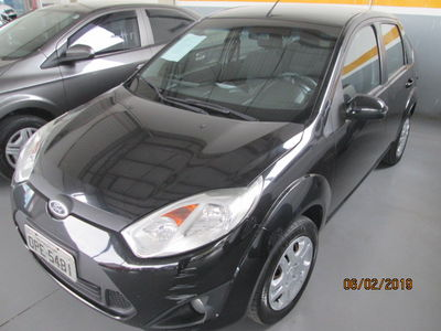 Ford Fiesta Sedan 1.6 2013}