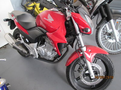 Honda Motos CB Twister ABS 2014}