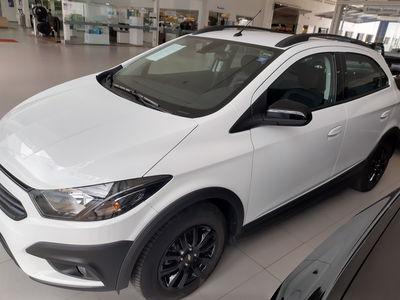 Chevrolet Onix Activ 1.4 MPFI (Aut) 2019}