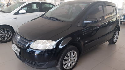 Volkswagen Fox City 1.0 8V 4p (Flex) 2010}
