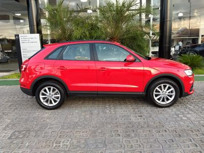 Audi Q3 1.4 TFSI Attraction 2016}