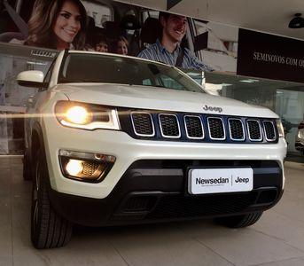 Jeep Compass 2.0 16V Longitude 4x4 2017}