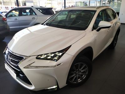 Lexus NX 200T Luxury 2.0 2015}
