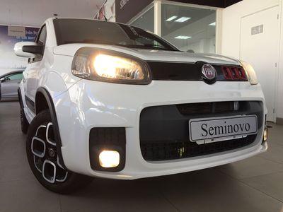 Fiat Uno Sporting 1.4 8V (Flex) 4p 2015}