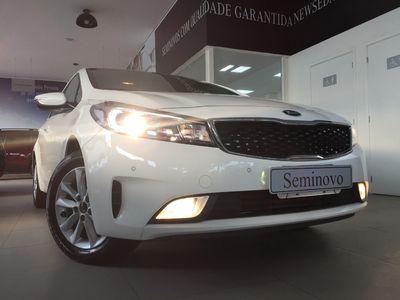 Kia Motors Cerato SX 1.6 16V E.244 2019}