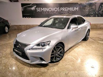 Lexus IS 250 2.5 V6 F-Sport 2014}