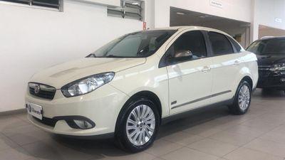 Fiat Siena Essence 1.6 16V (Flex) 2016}