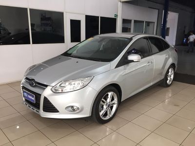 Ford Focus Fastback SE Plus 2.0 AT 2014}