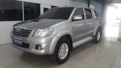 Toyota Hilux Cabine Dupla Diesel SRV 3.0 LIMITED 4x4 (Aut) 2015}
