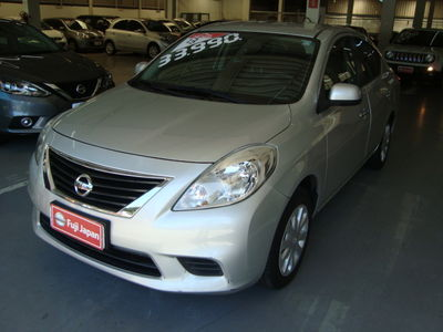 Nissan Versa 1.6 16V SV 2013}