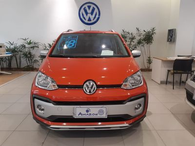 Volkswagen Cross Up! 1.0 TSI  12V 2018}