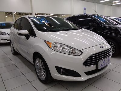 Ford New Fiesta Sedan 1.6 SE 2015}