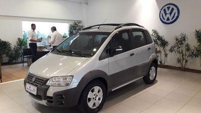 Fiat Idea Adventure 1.8 (Flex) 2010}